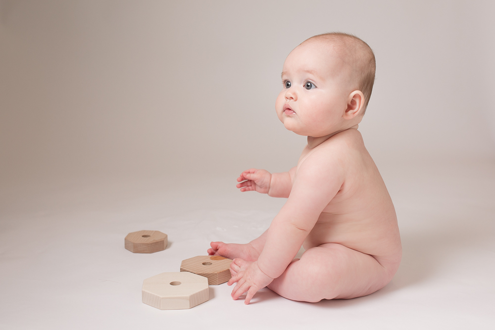 Babies who are around 6 to 7 months old are inquisitive and eager to explore their surroundings